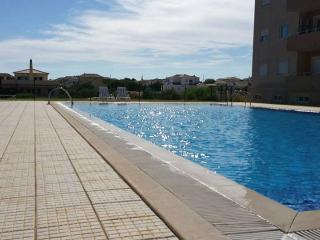 Algarve T2 Apartment with access to pool