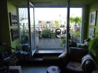 salon vue sur terrasse