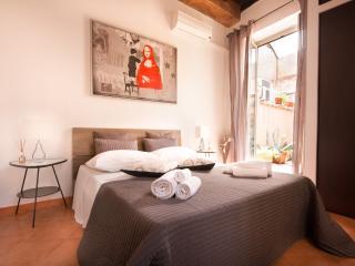 """House """"MALVA"""" Trastevere, Rome"""