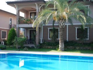 Great villa in Kemer near sea, Camyuva