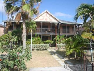 Beautiful apartment with sea view in Saint Martin, Orient Bay