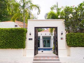 4 Bed Private Pool Villa Saiyuan Med Villa - Rawai