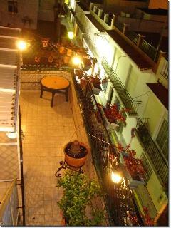 Terraza privada por la noche/ The private terrace during the evening.