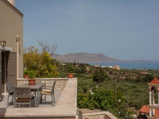 Villa Bilio , June offer,great view ,luxurius ap., Drapanias