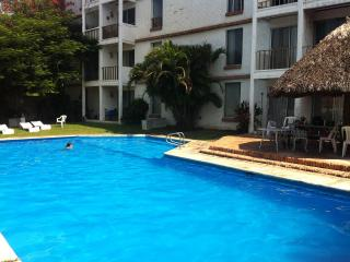 Vallarta Suites, 2BR, Sleeps 9, 15 mins to Airport, Bucerias