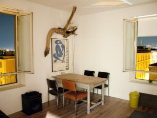 BEACHBAR Apartment in Rome Wifi