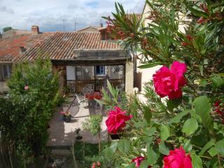 Carcassonne, Cottage des Remparts avec terrasse