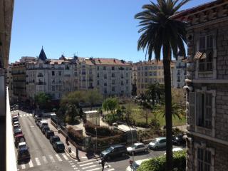 Grand 3 pièces haut standing 4eme étage à louer, Nice