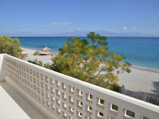 Beautiful beachfront house in Peloponnese certified by EOT!Ideal for all seasons