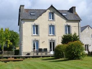 Large Farmhouse set in rural Brittany, Plonevez-du-Faou