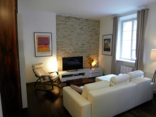 Cozy contemporary 1 bdr brand new flat in Old Town