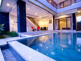 3 bedrooms villas 500m from Echo Beach Canggu, Kuta