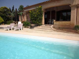 F408 Villa avec piscine, au Muy, pour 8 personnes, Ste-Maxime