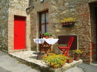 Cozy apartment in Chianti village, Gaiole in Chianti