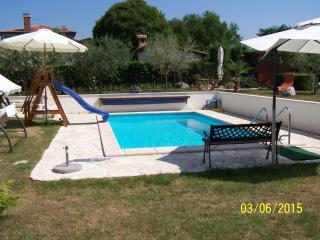 Villa Ladrovici 27