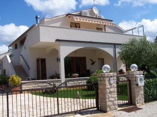 Villa Ladrovici 27, Porec