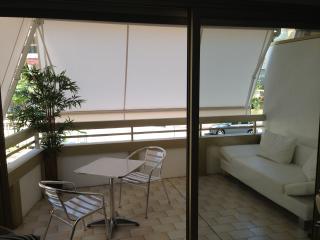 Beau 2p tout confort meublé avec parking, Cannes