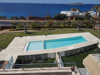 Nice house with terraces facing beach, chill-out.., Cala Tarida
