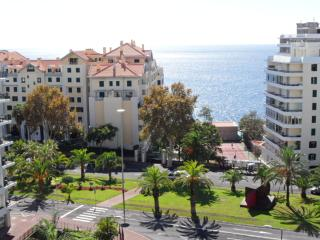 Unforgettable vacation near Forum Madeira shopping center. & Lido. WIFI