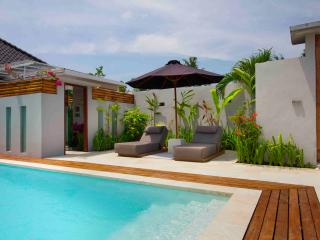 red apartment with view and pool canggu