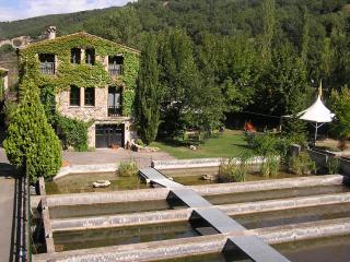 La Fàbrica Casa Rural, Senterada