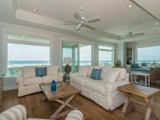 NEW OCEANFRONT, 5 MASTER KING SUITES, POOL, ELEVATOR, SWEEPING VIEWS, SLEEPS 14!, Saint Augustine Beach