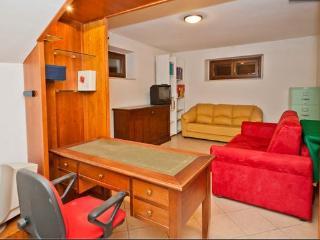 SA-Appartamento arredato 2/4 posti letto, Spello