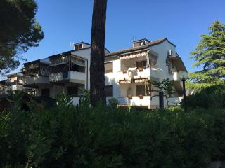 Tuscan Two Bedroom by the Beach and Many Sights, Vada