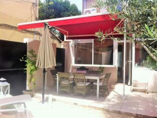 Jolie maison de ville Avignon WIFI grand confort climatisee