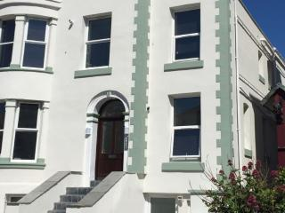Willow Court Apartment - 403565, Llandudno