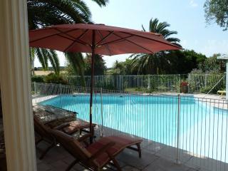 Les Cigalous, Camargue, chambre d'hotes, piscine