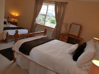 Atlantic Wave House Bed and Breakfast Triple Room, Carna