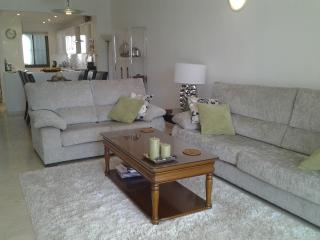 2 bedroom apartment in urbanisation Cerro Blanca, Puerto Banus