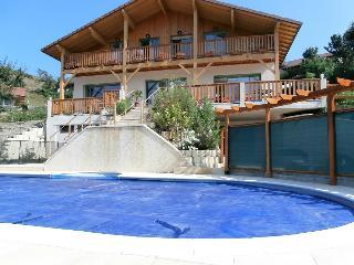 chalet alpin avec piscine et thermes orientaux