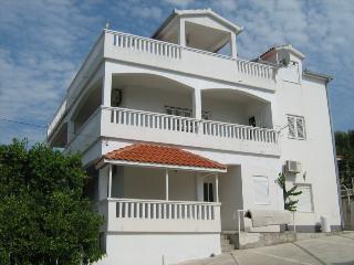 Villa Tanja - apartment A1, Slatine