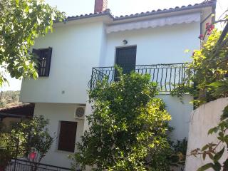 Margianou Holiday Apartments, Kalamos