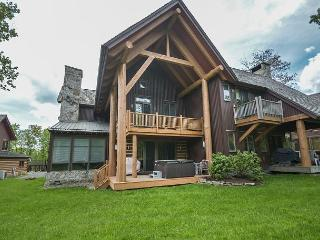 Stunning 4 Bedroom Ski In/ Ski Out home with upscale amenitites!, McHenry
