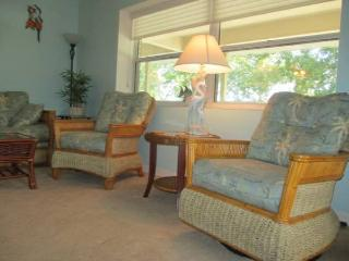 ''SPRING/SUMMER/WINTER RENTAL-Furnished Condo