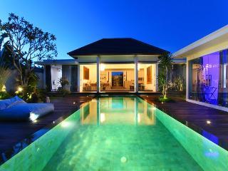 Contemporary Tropical Villa in Seminyak, Kuta