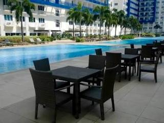 Fully-Furnished Condo with Balcony For Rent, Manila