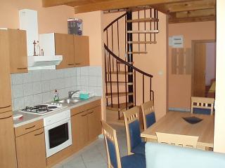 Apartment for 7 people near the sea, Novalja
