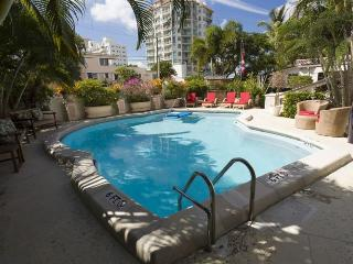 2 Bed / 2 Bath Apartment / Beautiful Pool. Steps To The Beach!