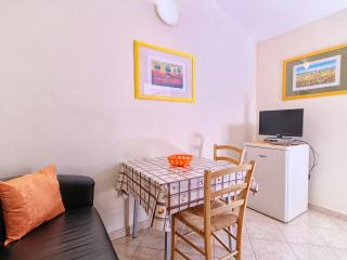 Verica studio for 2 people,  500m from tourist center