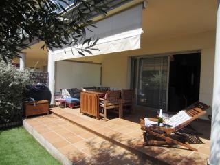 1577 - Apartamento con jardín a lado de la playa!, Llanca