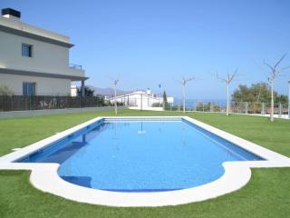 1711 - Moderna residencia con piscina, Llanca