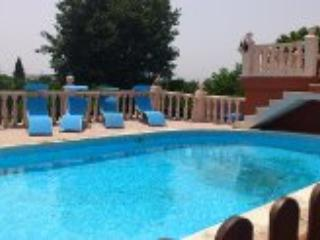 VILLA, PISCINA, TENNIS HOLIDAY COTTAGE, Alzira