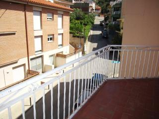 930 - Apartment for 6 people close to all shops an, Llanca