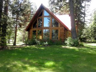 Bear Lodge - Quiet Getaway with Hot Tub, McCall