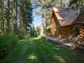Bear Lodge - Quiet, Hot Tub, Air Cond.