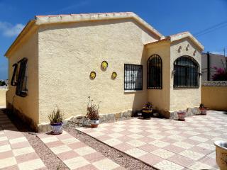 3 Bedroom Detached Holiday Villa in Calle Atenas, La Marina